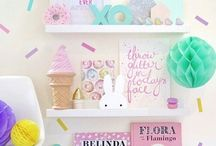 S H E L F I E / Small kids decor, toys, books, decorative items, small pretty things to put on their shelves!