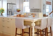 Kitchens!!! / by Janeen Bacal