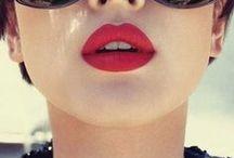 Red lips! / Unos labios rojos lo cambian todo