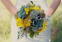 Wedding Flowers / by Toni Van Vooren
