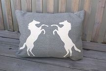 HOME // Cushion love / Cushions