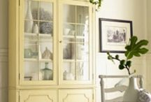 Hutch / Love a hutch and all that goes in them Cupboards, armoires too... / by Christina Eccles Smith