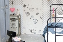 TWMMH: wallpaper / A house is not a home without some pretty patterns on the wall... It doesn't have to be much to create the best effect... / by Marieke's Design and Styling