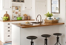 Decor: Kitchens / by Stacey Allison
