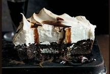 sweet tooth / mouth-watering treats - desserts, cupcakes, party ideas / by Emily Drappi