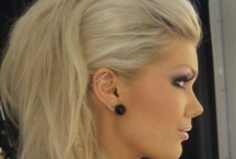 hair+makeup / by Kaylee Carriere