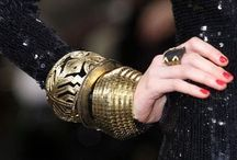 Black & Gold / Showcasing all the ways Black and Gold enriches our outfits.