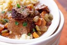Crockpot Recipes / by Bonnie Reid