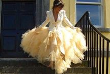 Fashion // Glamorous Gowns / Long, flowy and beautiful.