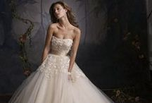 Couture Wedding Gowns / Feast your eyes on these amazing and luxurious high-end couture wedding gowns made by the top designers in the industry. They are truly hand-made masterpieces sewn from the finest silks, satins and lace and adorned with Swarovski crystals and pearls. Enjoy!