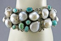 I absolutely ADORE vintage jewelry! / No NEW jewelry for me.  EVER.  Please! <3<3<3<3