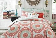 Bedroom Makeover Possibilities / by Debbie Lunsford