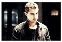 **Divergent** / Theo James & Shaileen Woodley