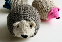outrageous knit objects / by Elise Rosengren