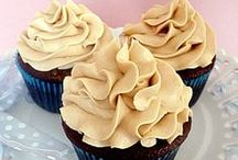 Dessert: Cupcakes / by Katie Marie