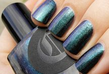 Epoch / A color-shifting teal that changes to blue and purple at different angles