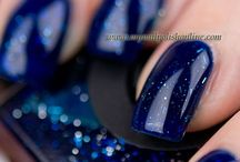 Tibetan Nights / A deep blue with micronic-sized glitter suspended in a translucent (jelly) base
