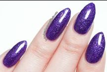 Queen Majesty / A radiant purple micro-glitter with glimmers of blue