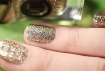 Ica Valley / A golden beige micro-glitter mimicking sand dunes, only sparklier