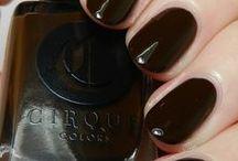 Knickerbocker / A dark chocolate brown creme
