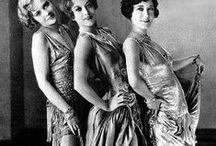 1920s Fashion / Flappers with sleek bobs, cupid blow lips, long strings of pearls and lots and lots of sass, the roaring twenties were the place to be!  Find out more about the 1920s here: http://weheartvintage.co/category/1920s/