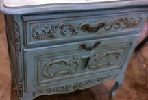 Deja Vu Antiques / Featuring country french anitques, and other vintage furnishings.