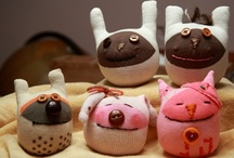 Sock Animals / These are too adorable. Gotta find time to make my own! / by LOTSOFBUTTONS.COM