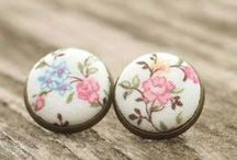 Fabric Jewelry / Stud earrings, drop and dangle earrings, leverback earrings.  Fabric button jewelry with Czech glass beads and pearls. Antique bronze, silver and gold toned wires. Romantic flowers, vintage and shabby cottage chic roses.