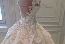 NICE DAY FOR A WHITE WEDDING / White weddings are very classy and still number one, brides look gorgeous. White is clean looking and elegant, adds a sparkel to any wedding. / by Janice Notman