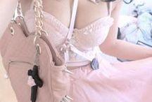 Fashion: Pastel Goth / Pastel Goth Fashion & Outfits. //   Pastell   Bunt   Hell   Haarfarben   Alternative   Nu Goth   Grunge   Niedlich