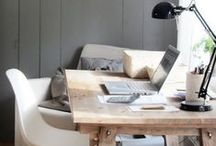 Work and Desk Style / Work and Desk Space Style and inspiration // HUSTLE-BLOG.COM // Career and Lifestyle advice for Young Professionals