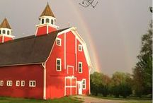 Red Barn Message of the Day   Handmade U / So many love seeing pictures of our beautiful Red Barn, the home of Handmade U.  Since not everyone can attend a semester of Handmade U I decided to share a message of the day on IG @handmadeu, to showcase positivity and the Barn of course!  Come Follow us!