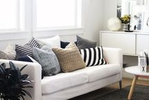 Home Decor: Living Rooms / by Laura Stuckey