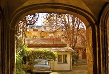 Odessa's courtyards / fancy Historic quarter, poor neighborhood of Moldovanka- Odessa's courtyard's are a city's hidden gem. And we get to see some of them on our Odessa Thru the Centuries walk http://www.odessawalks.com/odessa-walks/Odessa-Through-the-Centuries.html #Odessa #Guide #Tour