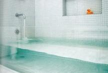 Home Decor: Bathrooms / by Laura Stuckey