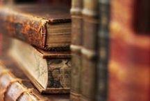 bookish / Books & book nooks.