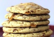 Recipes / A collection of tasty recipes: breakfast recipes, brunch recipes, slow cooker recipes, crockpot recipes, drink recipes, cocktail recipes, dessert recipes, cookie recipes, pie recipes, cake recipes, smoothie recipes, and more.