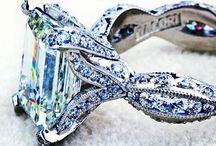 Jewelry deluxe / by Rebecca Pearson