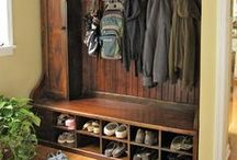 Organization: mudroom / find inspiration for organizing your mudroom