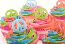 cupcakes / by Eeyoraus Earthmuffin