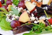 Recipes:  Soups, salads and sandwiches / Perfect for lunch, a light dinner or entertaining