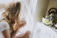 Mood : morning / Good morning feeling photography : bedroom, yoga, coffee and morning light