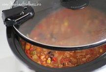crock pot and freezer meals / by Eeyoraus Earthmuffin