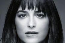 Dakota Johnson / Com poucos filmes no currículo mas muita ousadia para mostrar o corpo do jeito que for preciso, a atriz deu a cara à tapa (literalmente) para ser reconhecida em Hollywood e conquista seu espaço.  http://www.testosterona.blog.br/2015/02/22/sensualidade-de-dakota-johnson/