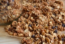 Food mixes make it your self / this is mixes, fudges, chow and snack mixes granola bars and other things that are home-made duplicates / by Rachel Clark