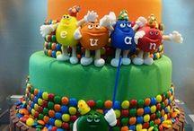 Cakes & Yummy Stuff / by Betty Garza