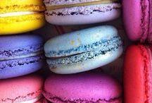 Macaron love. / Macarons