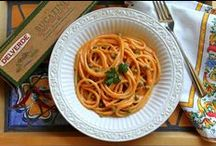 Food > Meals > Pasta / Easy Food Recipes: providing Pinterest with ideas for cooking up a storm in the kitchen. Healthy, hearty, pasta, & chicken, look no further for today's lunch or dinner!