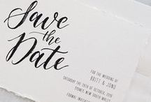 Save the date / Je gaat trouwen! En natuurlijk wil je die mooie dag graag delen met al je dierbaren. Een save the date kaartje sturen zorgt ervoor dat je lieve vrienden en familie dé grote dag voor jullie vrij houden.