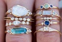 Jewelery & bijoux...